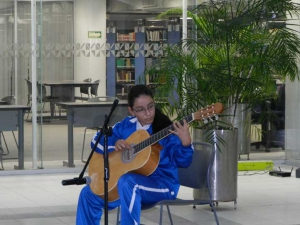 La música desarrolla la disciplina y sensibilidad en las niñas