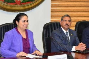 Sara Ladrón de Guevara y Alberto Sosa Hernández