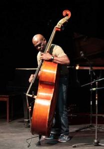 """""""La afinación, el ritmo y la sonoridad son lo más importante que deben aprender"""": Jorge Reyes"""
