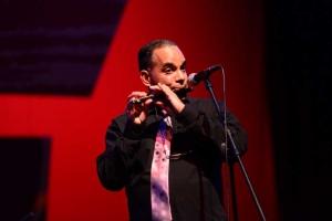 El flautista también ofreció un concierto en el Teatro del Estado