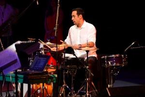 El baterista inauguró el Festival Jazzuv 2015