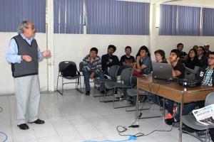 Alejandro Cornejo dictó la conferencia inaugural