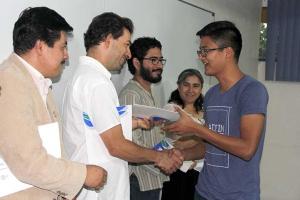 Universitarios destacados obtuvieron notas laudatorias