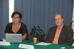 Verónica Marín Díaz y Don Passey