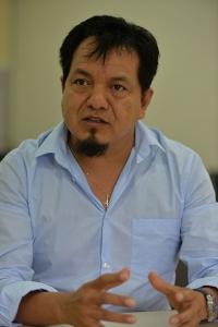 Sergio Martínez Hernández tiene estudios de Licenciatura en Biología por la UV, Maestría y Doctorado en Biotecnología por la Universidad Autónoma Metropolitana-Iztapalapa y realizó una estancia posdoctoral en el Departamento de Ingeniería Química y Ambiental de la Universidad de Arizona. En 2010 se incorporó como investigador al Inbioteca, a través del programa de Repatriación del Conacyt. Es Nivel 1 en el Sistema Nacional deInvestigadores; miembro del cuerpo académico consolidado Ecología y Manejo de la Biodiversidad, cuenta con perfil Prodep y en la reciente evaluación obtuvo el nivel 6 de productividad. Ha dirigido una tesis doctoral, tres se encuentran en proceso, donde se incluye una de maestría; ha contribuido con la dirección decuatro tesis de licenciatura de la UV. Desde su ingreso al Inbioteca ha sido responsable técnico de dos proyectos de investigación, ambos apoyados con fondosdel Conacyt, incluyendo el que se presenta actualmente. Es coautor de al menos 10 artículos científicos publicados en revistas internacionales indizadas, y es árbitro en la selecciónde trabajos para publicación en al menos tres revistascientíficas internacionales