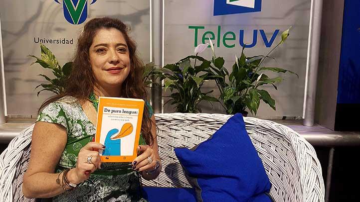 """""""La lengua es un ente vivo, un organismo que vive por sí solo y que refleja la cultura y el momento"""": María del Pilar Montes de Oca Sicilia"""