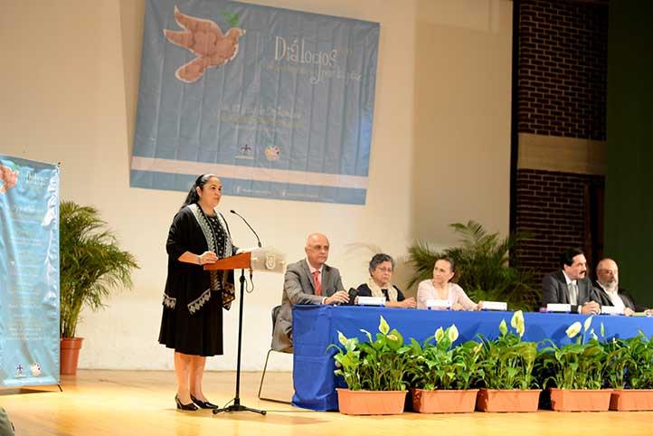 La Rectora expresó que la apuesta de la institución es combatir el miedo y el silencio