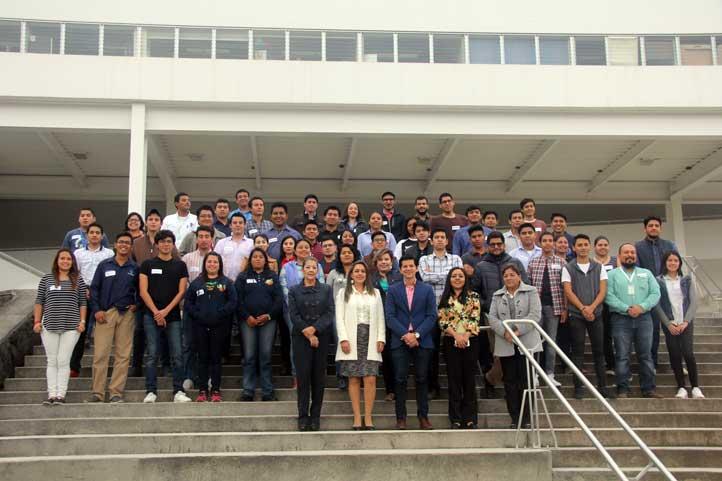 Participan 60 estudiantes de todas las regiones