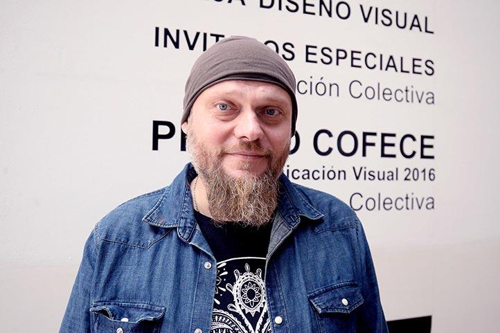 El artista charló con estudiantes