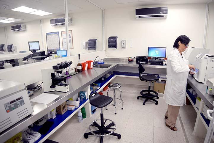 El laboratorio de análisis cumple con la normatividad de Cofepris