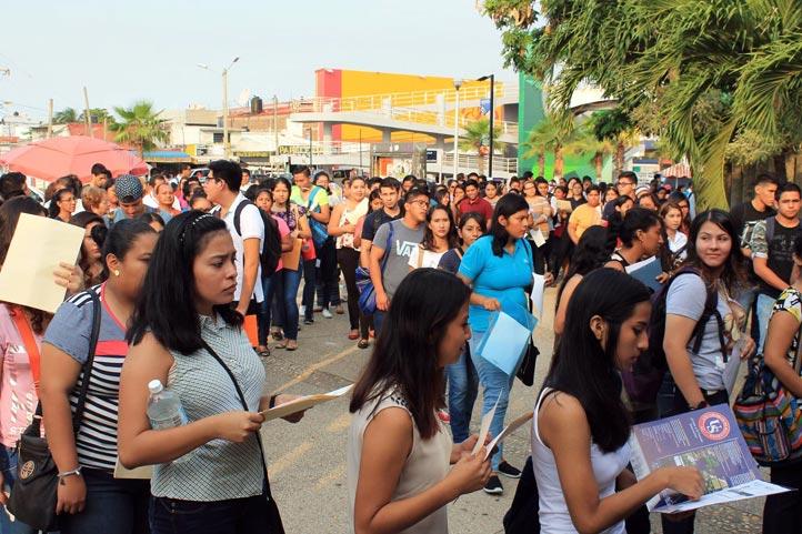 Nutrida asistencia en Coatzacoalcos-Minatitlán