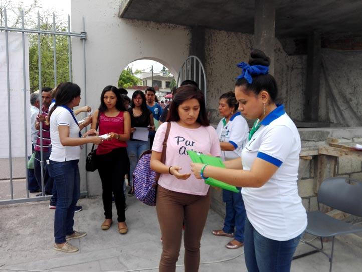 Estudiantes de Poza Rica participaron como auxilares