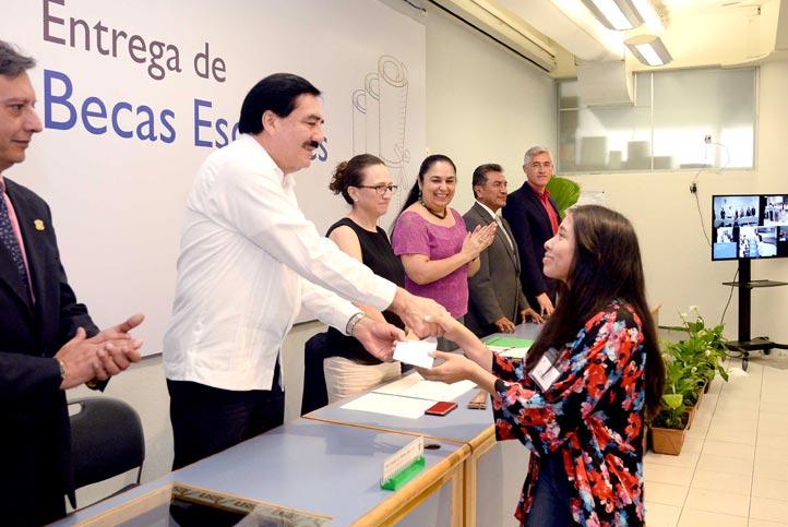 En la región Xalapa se entregaron 114 estímulos