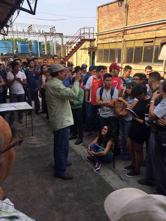 Alumnos acuden al beneficio Puerto Rico