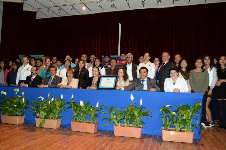 Alumnos, académicos y funcionarios celebraron el reconocimiento