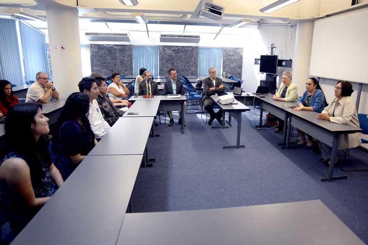 Los jóvenes se reunieron con autoridades universitarias