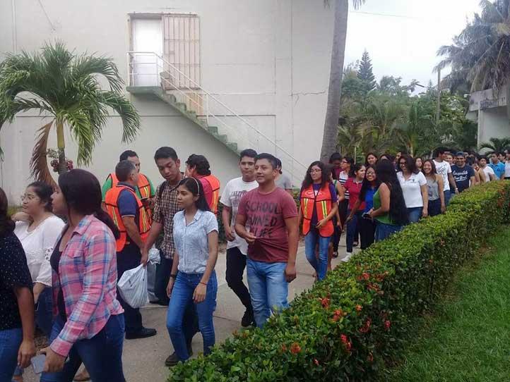 En Coatzacoalcos-Minatitlán los campus adecuaron horarios en el simulacro