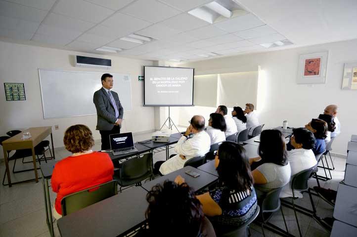 Enrique Castán Lugo dictó conferencia a personal de la CUSRS