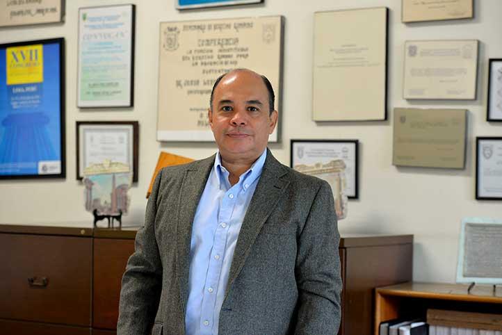 José Luis Cuevas Gayosso, director de Derecho