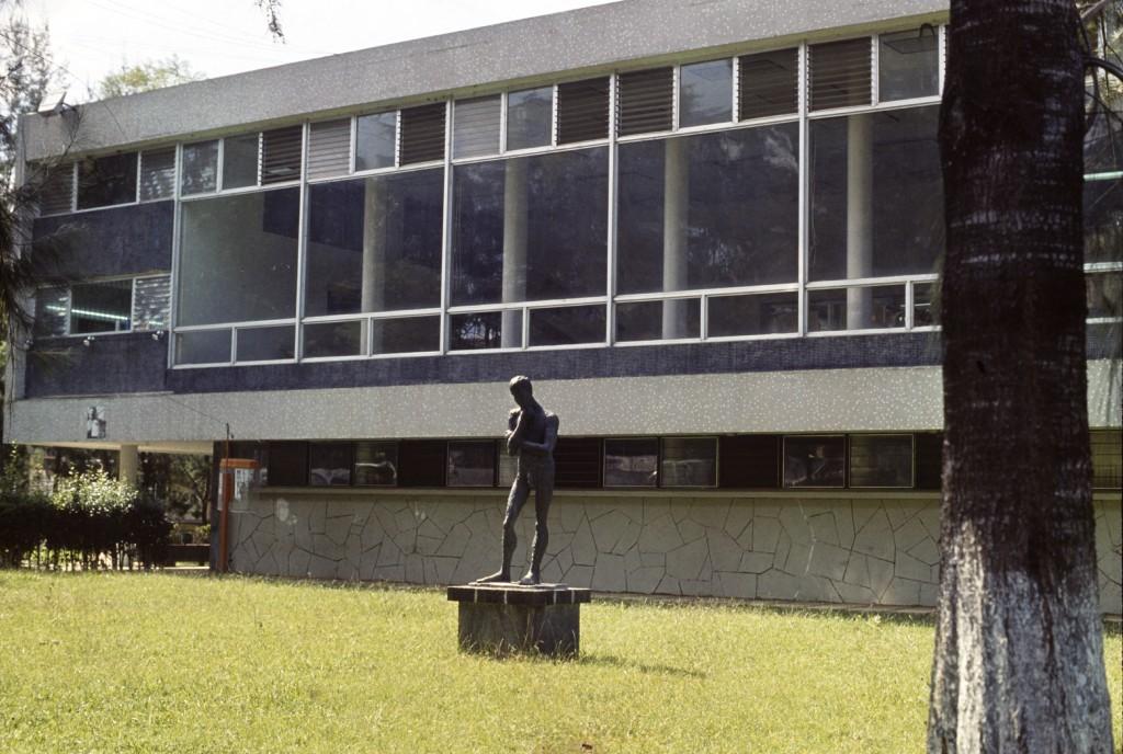 75.1.BibliotecaCentral