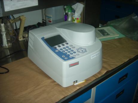 Espectrofotómetro UV-L