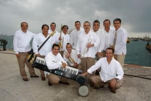 Orquesta de Música Tradicional Moscovita en el Muelle de Faros de Veracruz