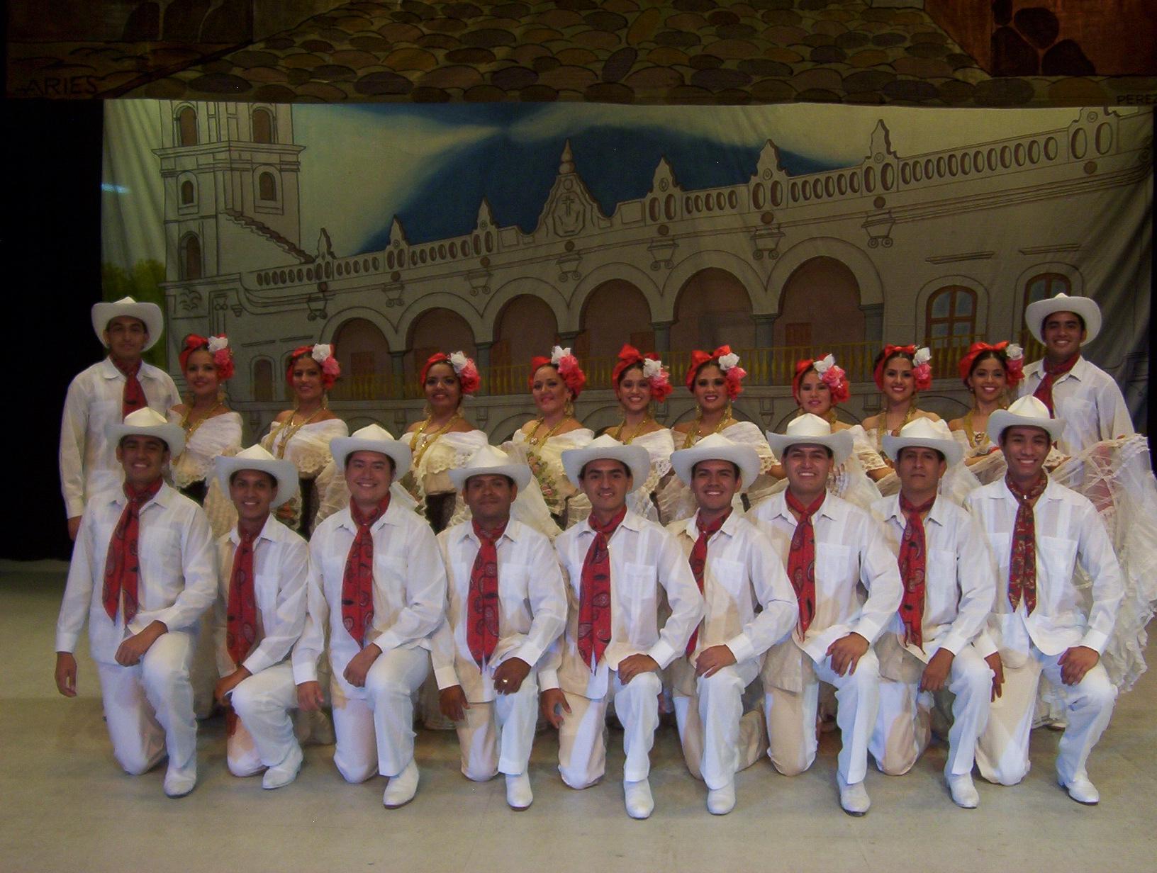 Grupo Nematatlín y Ballet Folklórico del Puerto de Veracruz